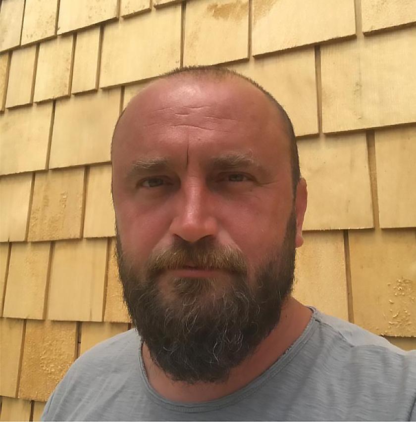 cosmin smadu specialist acoperisuri lemn cedru