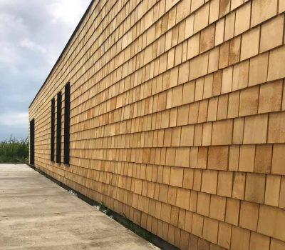 fatada din sindrila de lemn de cedru cu garantie